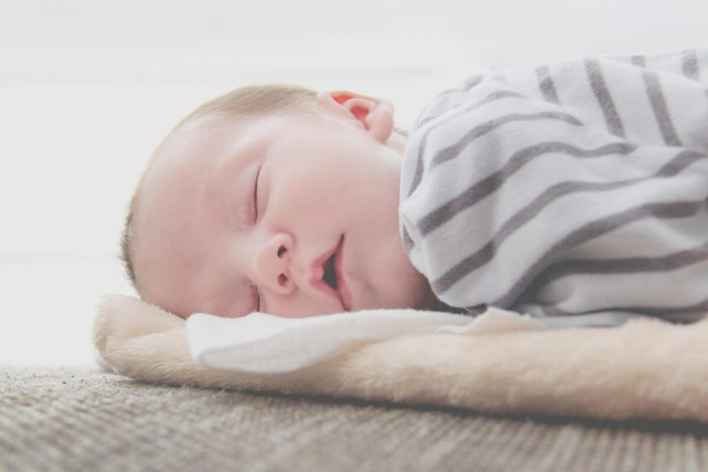 baby sleep solutions: sleeping baby